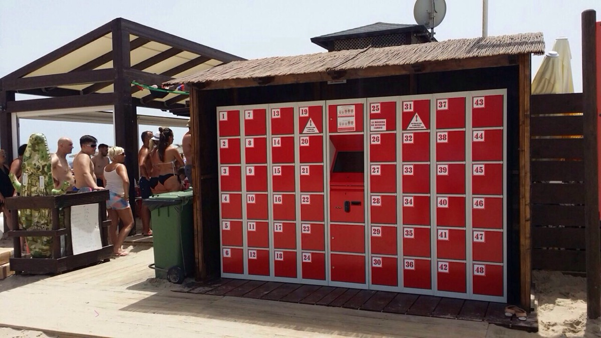 Automatic lockers for beaches Spain